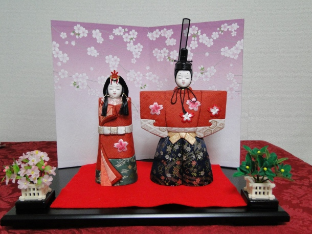 My (daughter's) newly purchased hina dolls, in the old tachibana style