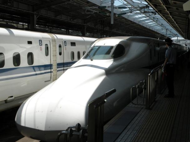 A shinkansen pulls into Shin-Osaka