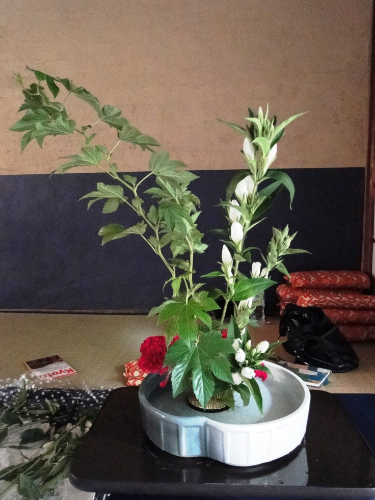 An ikebana arrangement