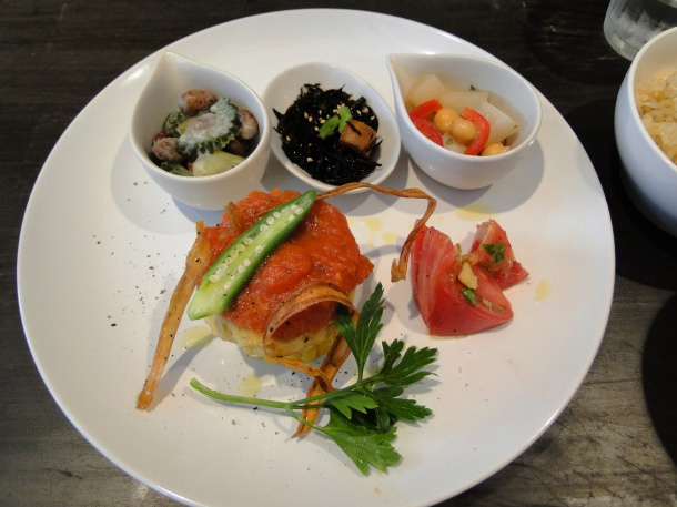 The Evah lunch set's main plate