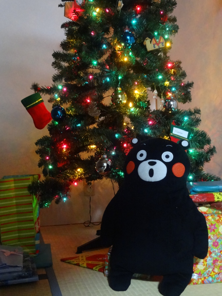 See, even Kumamon is surprised that Christmas is here already. :)
