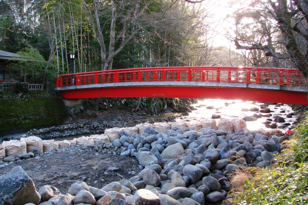 A sunlit bridge in Shuzenji