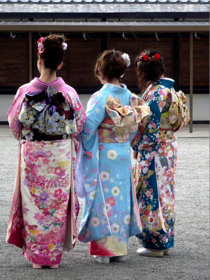 A close-up on the beautiful obi (kimono sashes)